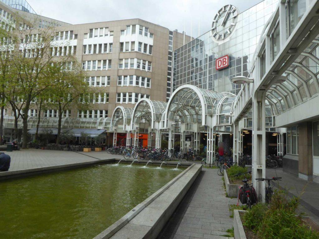Bertha-von-Suttner-Platz in Düsseldorf 1