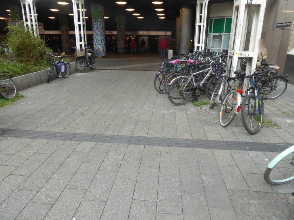 Bertha-von-Suttner-Platz in Düsseldorf 4
